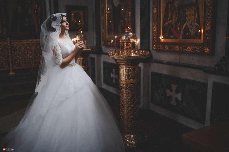 невеста в храме