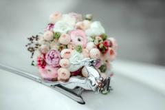 Необычное фото свадебных колец